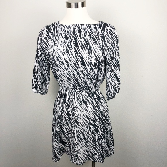 Vince Dresses & Skirts - VINCE Elastic Waist Pocket Dress Sz L Runs Small